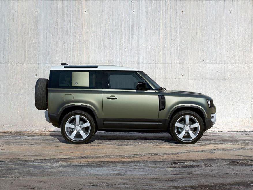 Land Rover Defender, scopriamo la prova su strada