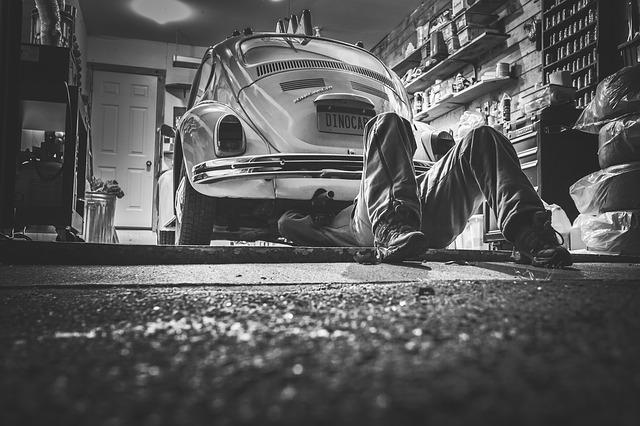 In partenza per le vacanze? Hai già fatto la revisione dell'auto?