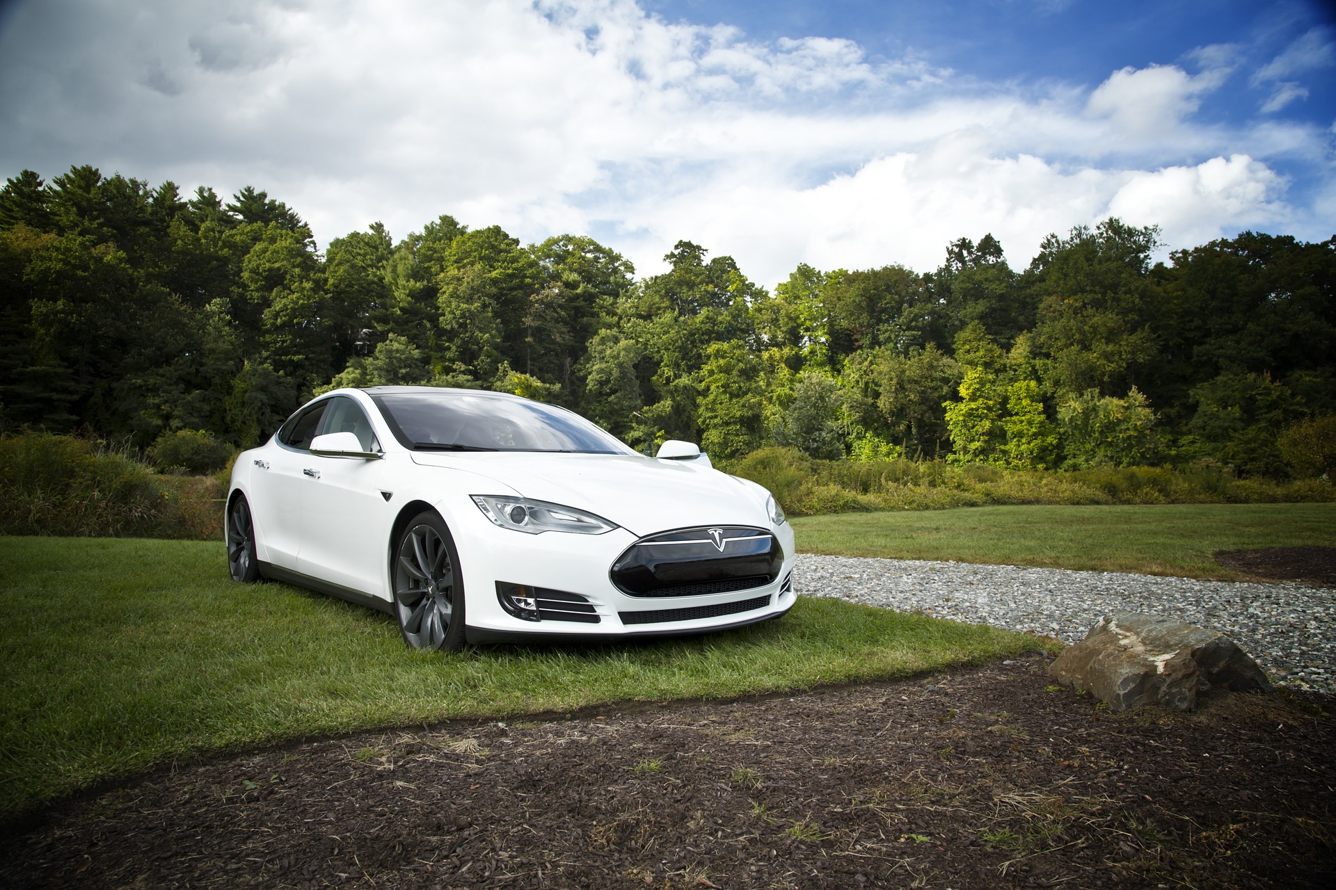 Tesla Model S, noleggia la Regina delle
